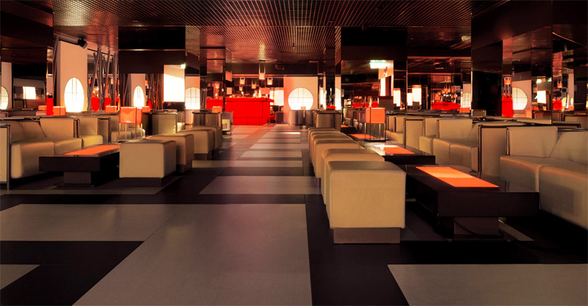 armani prive club milano in festa
